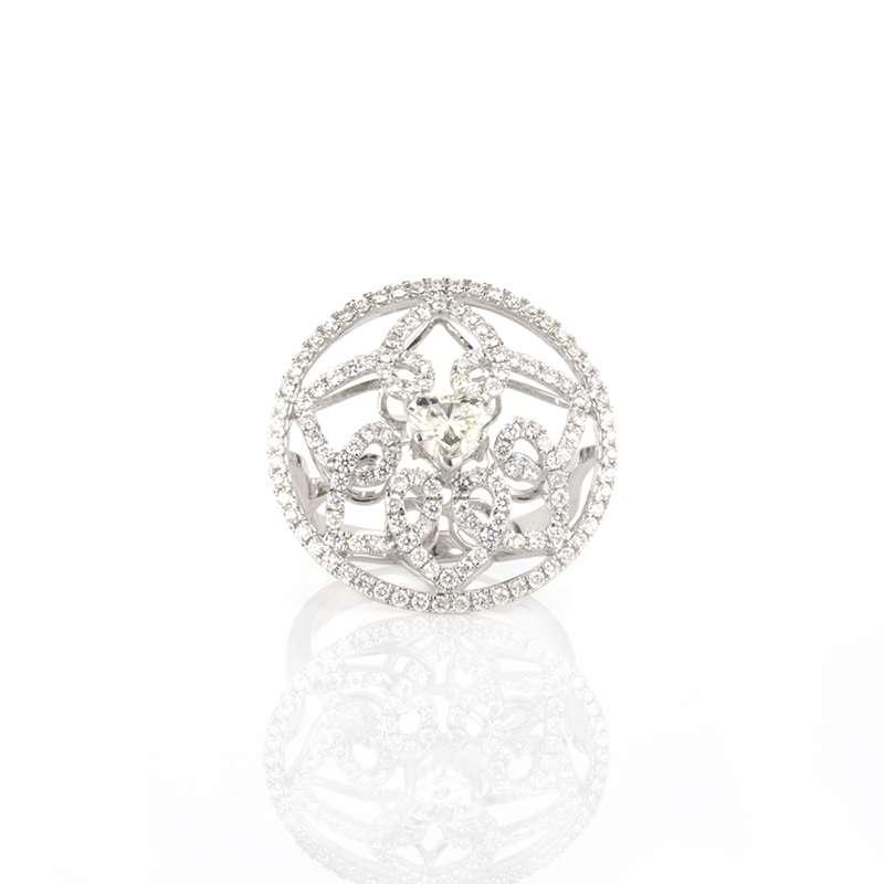 18k White Gold Heart Shape Diamond Dress Ring
